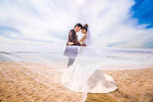 結婚式前撮り,ウェディングドレス,海ロケーション